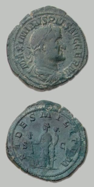 MAXIMIN (235-238) Sesterce. Son buste lauré...