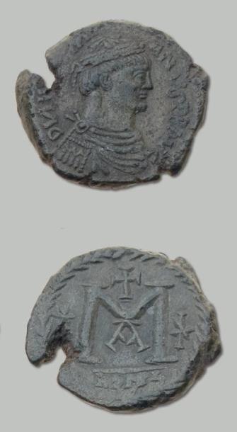 18 Monnaies en bronze et argent: siliques...
