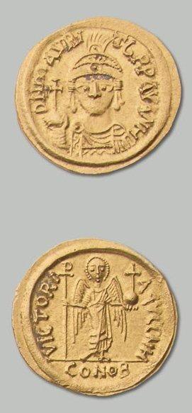 Solidus. 4,41 g. Carthage. Off. H. Son buste de face. R/ Ange debout de face. S....