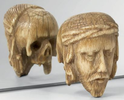 Memento Mori janussiforme en ivoire avec...