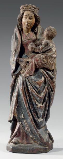 Vierge couronnée à l'Enfant Jésus tenant...