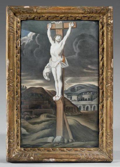 Grand plaque convexe ornée d'un Crucifix...