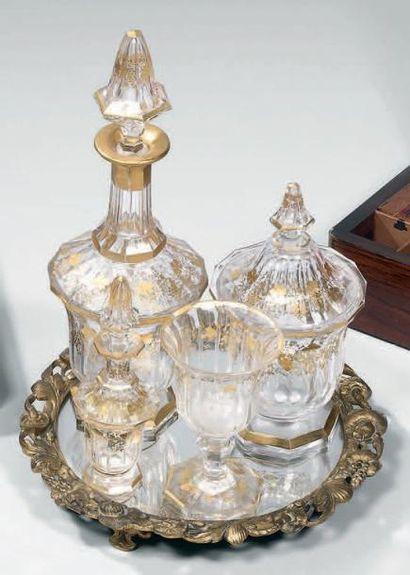 Service à mélisse en cristal taillé à décor...