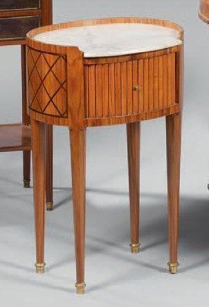 Petite table de salon ovale en placage de...