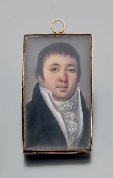 """Pendentif orné d'une miniature rectangulaire """"Portrait d'homme"""" sur ivoire, la monture..."""