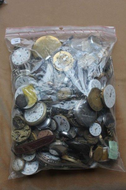 Important lot de montres, mouvements et pièces...