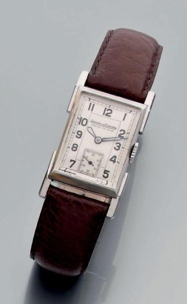 Montre bracelet d'homme rectangulaire à mouvement...