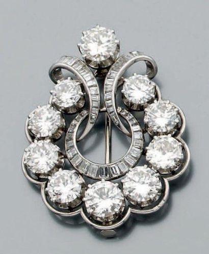 Broche pendentif circulaire en platine et...