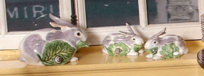 Trois terrines couvertes en forme de lapin...
