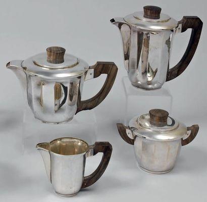 Service à thé-café quatre pièces en argent...