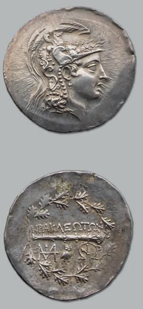 Tétradrachme. 16,92 g. Tête d'Athéna à droite,...