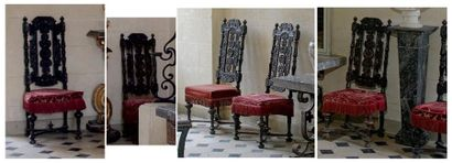 Six chaises en bois noirci, à dossier ajouré...
