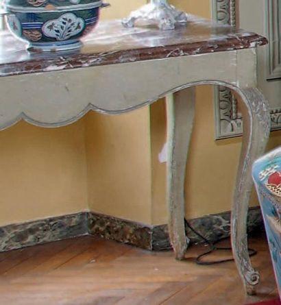 Table console en bois peint en gris mouluré...