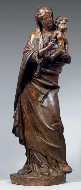 Vierge à l'Enfant en pierre calcaire avec...