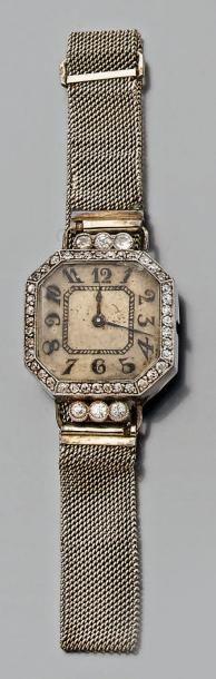 Montre bracelet de dame, carrée, à pans coupés,...