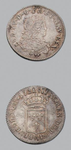 LOUIS XV (1715-1774) Tiers d'écu. Var. Effigie...