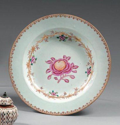 Assiette creuse en porcelaine décorée en...