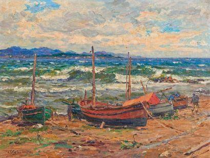 Adolphe Louis GAUSSEN (1871-1954) Bateaux de pêche sur la grève Huile sur carton,...