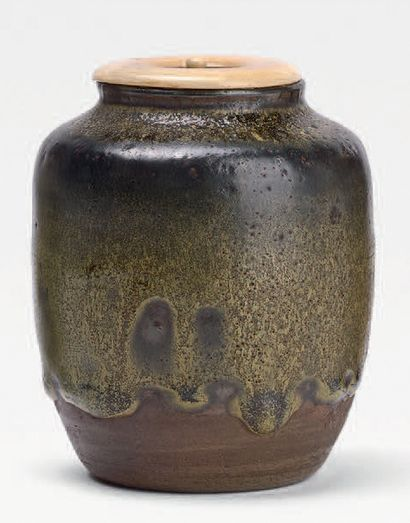 Probablement fours d'Asahi<br/>Époque EDO (1603-1868), XVIIe siècle