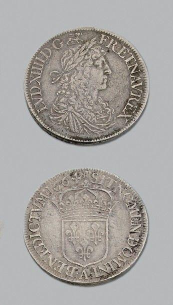 LOUIS XIV (1643-1715) Écu au buste juvénile....