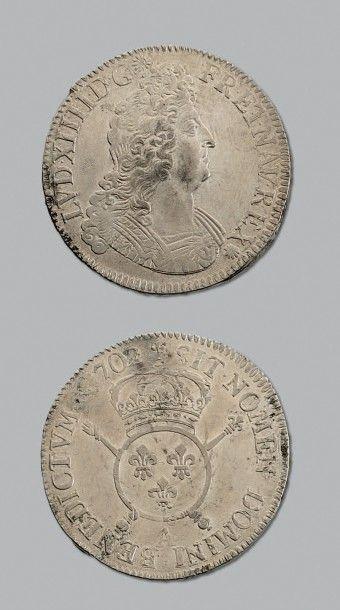 LOUIS XIV (1643-1715) Écu aux insignes. 1702....
