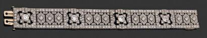 Bracelet large et articulé en platine 850...