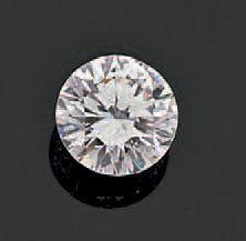 Diamant sur papier de forme ronde et de taille...