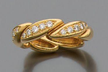 Alliance en or jaune 750 millièmes à décor...