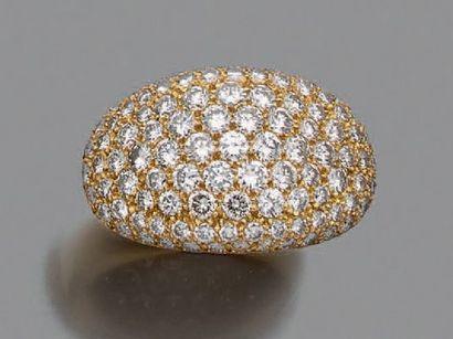 Bague en or jaune 750 millièmes ornée d'un...