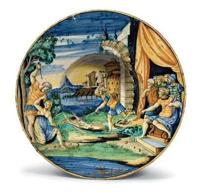 PESARO Circa 1540 Plat rond dit tondino, décor polychrome en plein d'une scène mythologique...