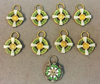 Iran - Culture, lot de neuf miniatures sans...