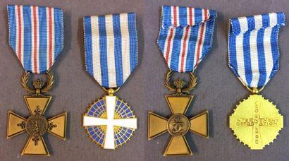 Luxembourg - Lot de deux: une croix d'Honneur...