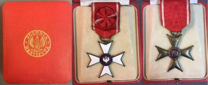 Pologne - Ordre de Polonia Restituta, fondé...