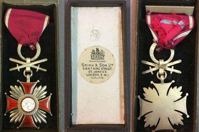 Pologne - Croix du Mérite avec épée, créée...