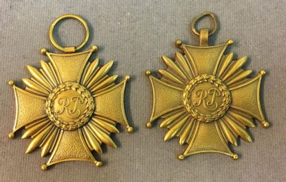 Pologne - Croix du Mérite, lot de deux croix...