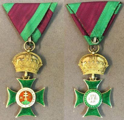 Autriche-Hongrie - Ordre de Saint-Etienne, croix de chevalier en vermeil et émail,...