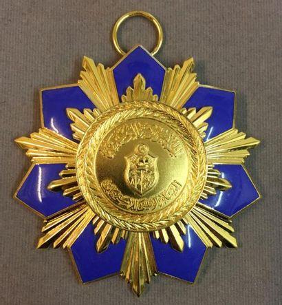 Tunisie - Ordre du Mérite National, fondé...
