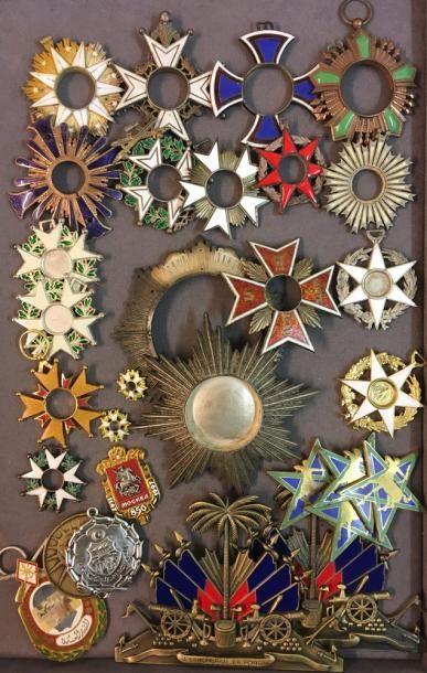 Divers, fort lot d'éléments de décorations...