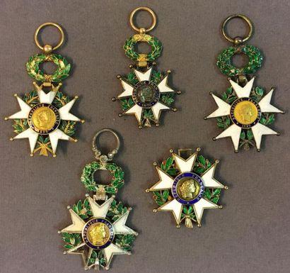 Légion d'honneur - Lot de cinq étoiles sans ruban: IIIe République, deux d'officier...