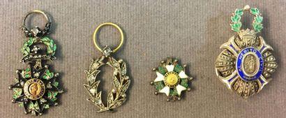 Lot de quatre miniatures: IIIe République,...