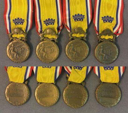 Médaille d'honneur des Octrois, lot de quatre...