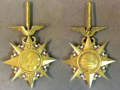 Ordre du Mérite Commercial, fondé en 1939,...