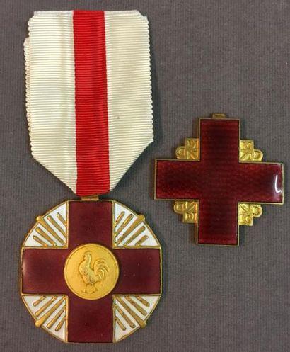 Croix-Rouge Française, grande médaille d'honneur...