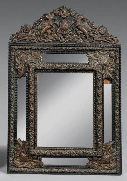 Miroir à profil renversé dans un double encadrement...