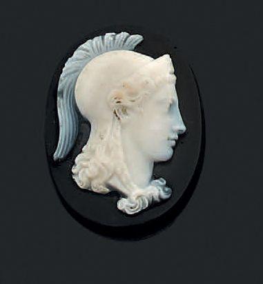 Camée onyx de forme ovale représentant «Minerve»....