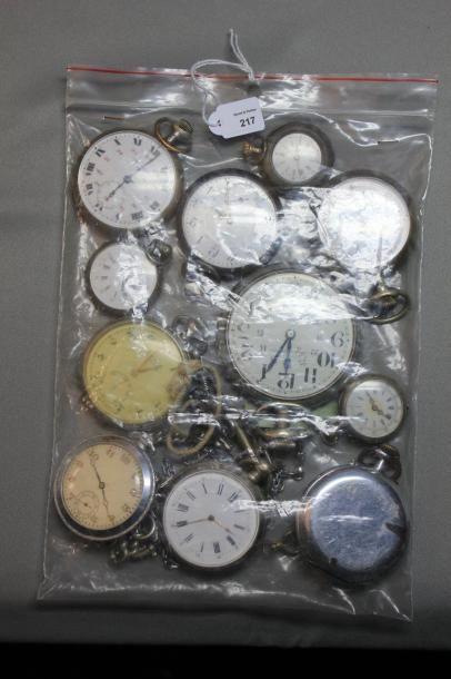 Lot comprenant: sept montres de poche, un...