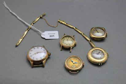 Lot de cinq montres-bracelet en or 750 millièmes...
