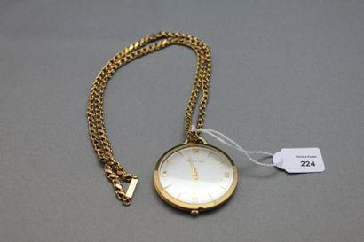 Collier articulé en or jaune 750 millièmes supportant en pendentif une montre extraplate...