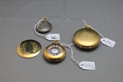 Lot monté en or jaune 750 millièmes comprenant:...