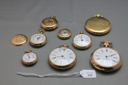 Lot comprenant: trois montres de poche et...